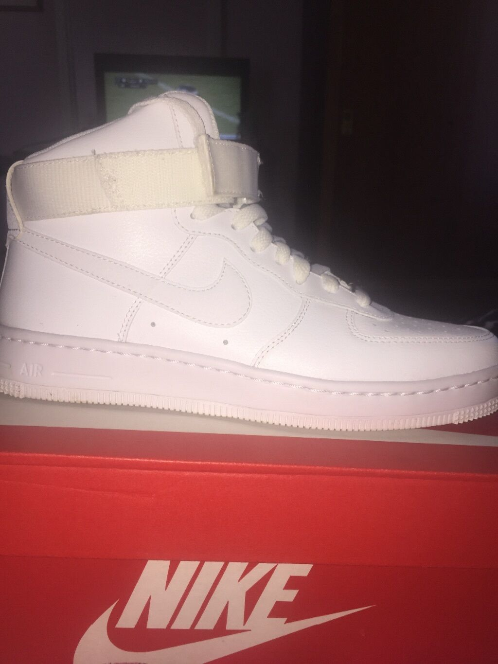 Womens Nike Air force 1-White size 8.5
