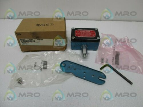 NEW IN BOX * Details about  /MICROSWITCH EXQ SNAP SWITCH BASIC