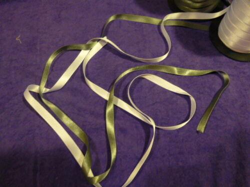 4gris neuf  pour faire des petits noeuds ??? 8m de ruban satiné =4blanc