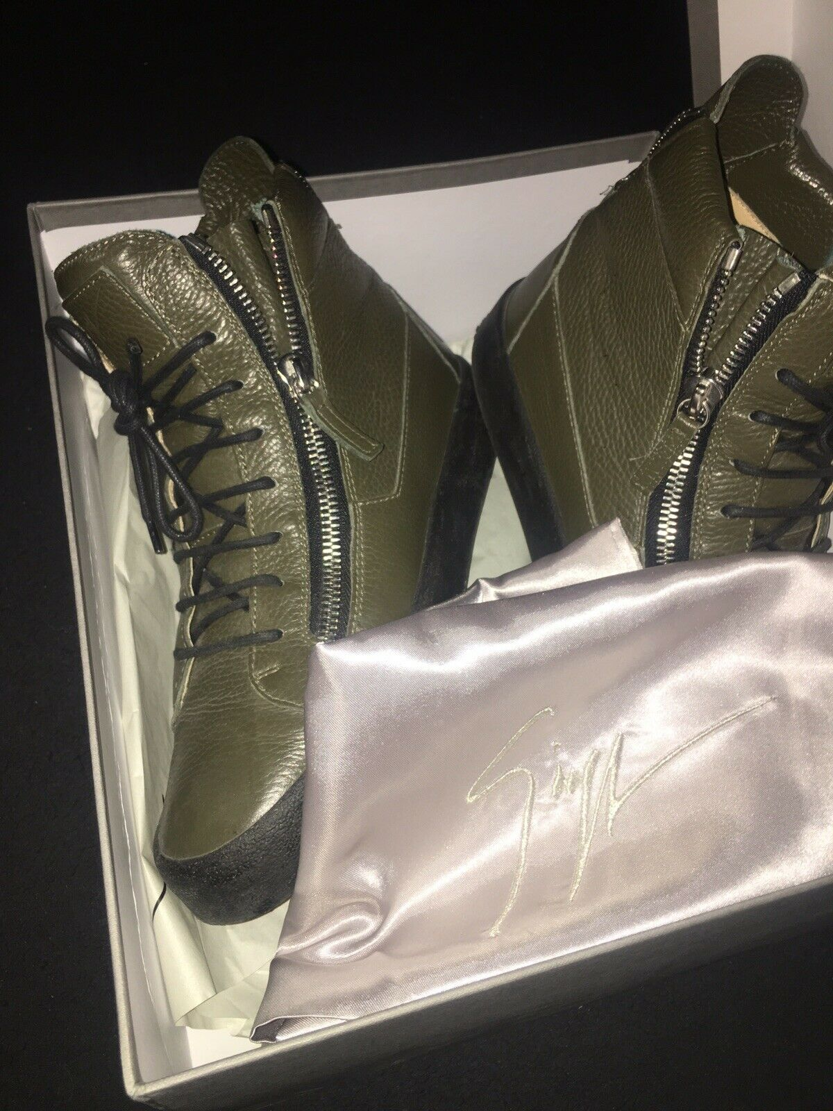 Guiseppe zanotti Kahki Green High Top Zip