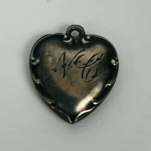 Vintage-1940s-Sterling-Silver-Puffy-Heart-Bracelet-Charm-Swirls-Engraved-039-N-C-039