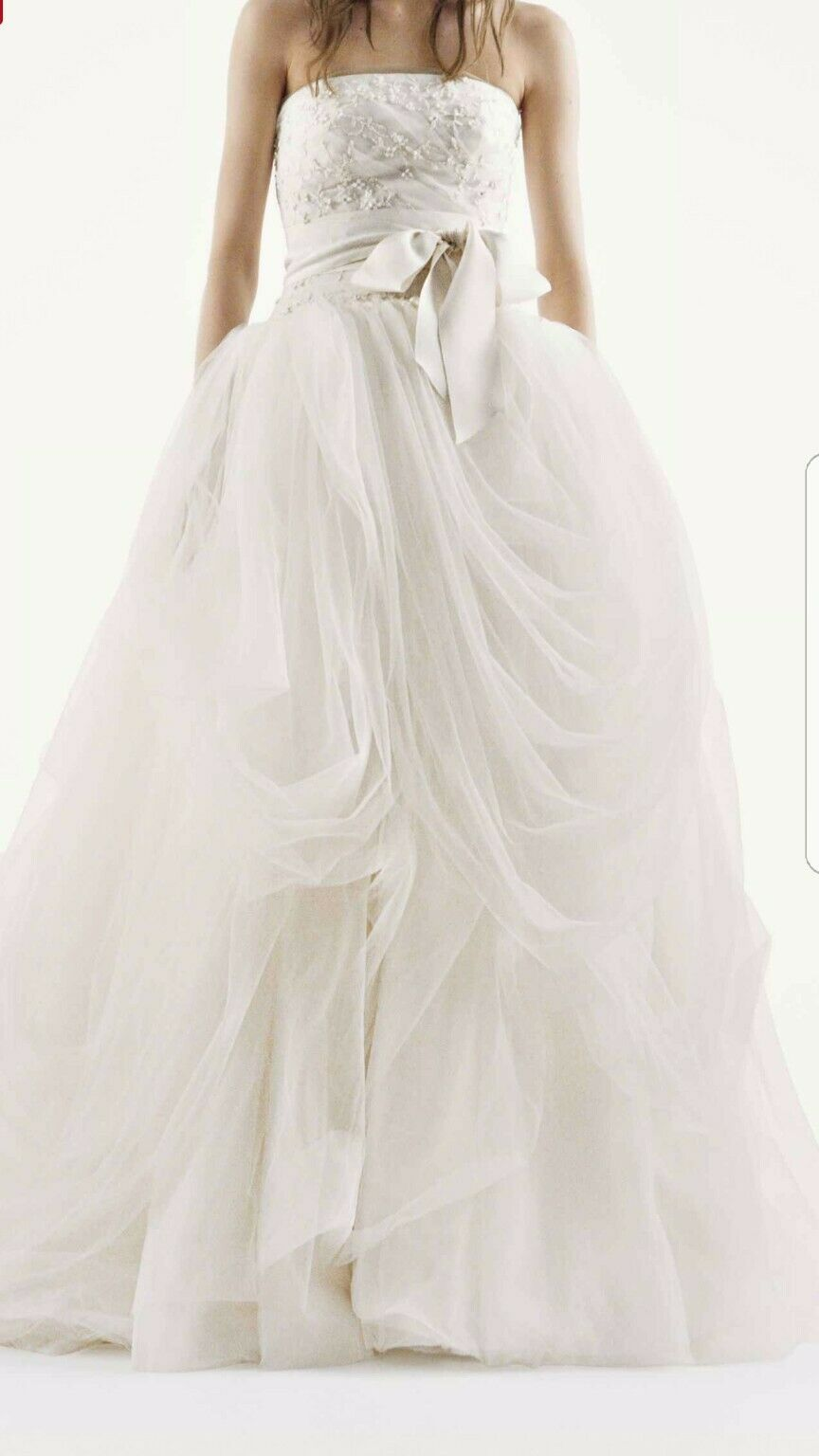 wedding dress size 10 new Vera Wang ball gown color Ivory.