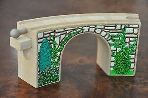 Details About Thomas Tank Engine Wooden Railway Track Stone Arched Curved Bridge Tunnel