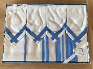Vintage-Boxed-CREAM-BLUE-RAYON-Tablecloth-6-Napkins-51X54-Inches-15X15-INCHES