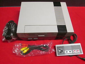 Nintendo-1985-Entertainment-System-Console-Very-Good-1108