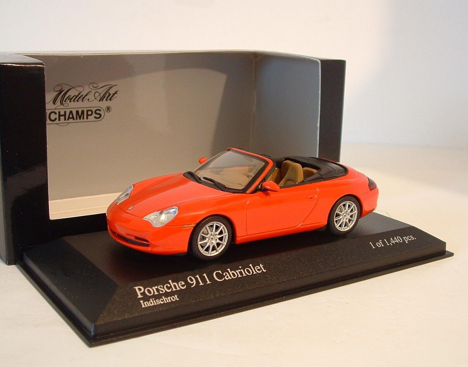 Minichamps 1 43 Porsche 911 Cabrio 996 2001 Red 400 061034