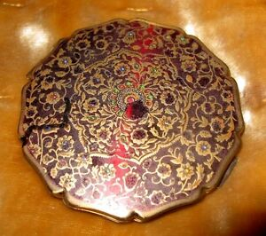 Vintage Stratton England Red Enamel Scalloped Edge Compact With Mirror