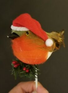 VINTAGE-RED-GREEN-FEATHERED-CHRISTMAS-BIRD-PICK-DECORATION-W-SANTA-HAT