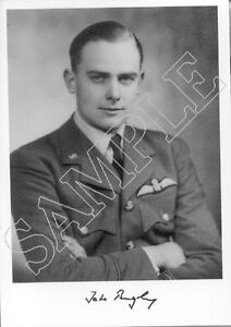 STTF24-RAF-WWII-WW2-Battle-of-Britain-fighter-ace-BEAZLEY-DFC-hand-signed-photo