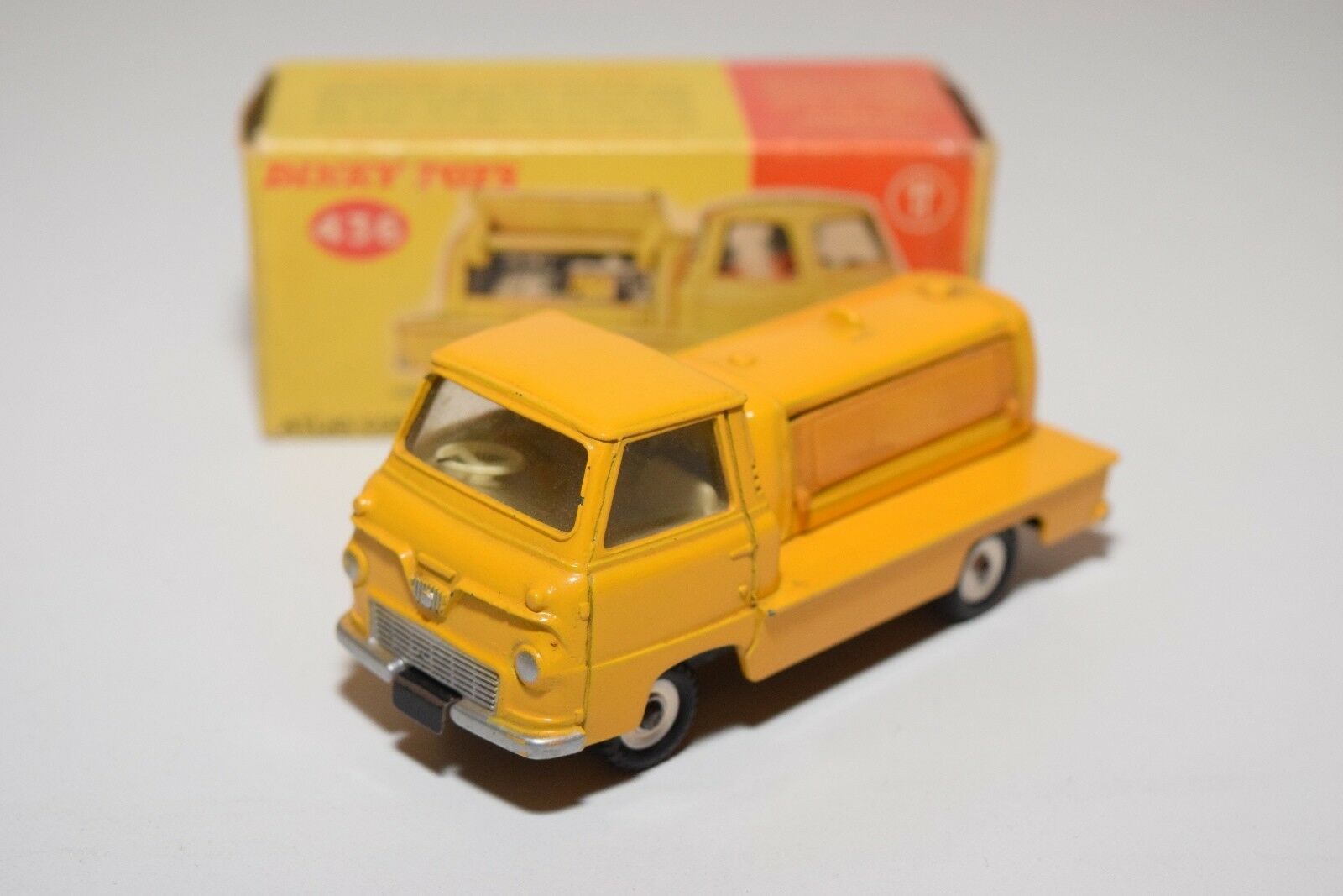.- DINKY TOYS 436 ATLAS COPCO COMPRESSOR LORRY YELLOW EXCELLENT BOXED