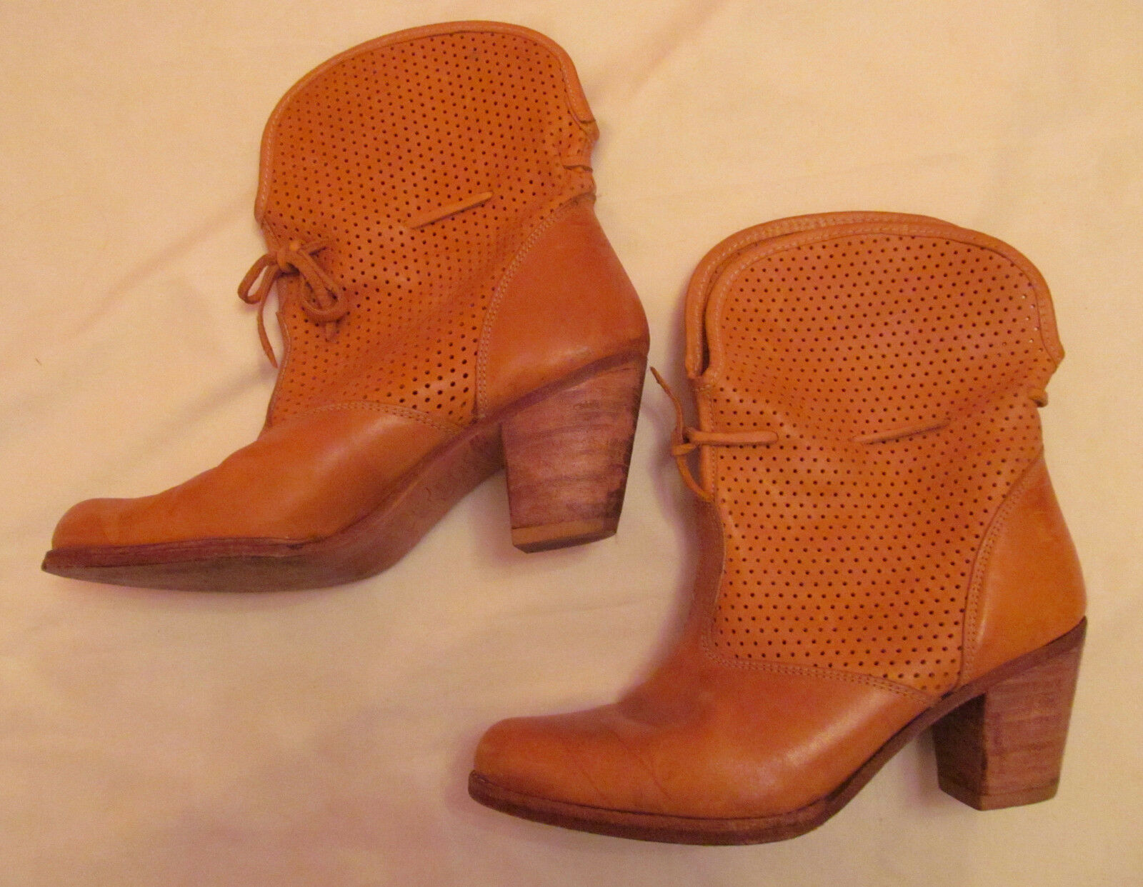 Vintage TINO FERRARIO LIGHTHOUSE preforated dotted mid calf western boots 8 m