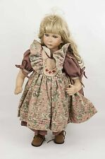 Grosse nostalgische Künstlerpuppe, Porzellan. Mädchen, blond, blaue Augen.
