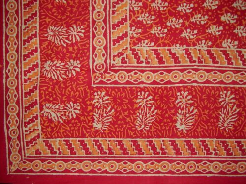 """Block Print Tapestry Cotton Spread or Tablecloth 90/"""" x 60/"""" Red"""