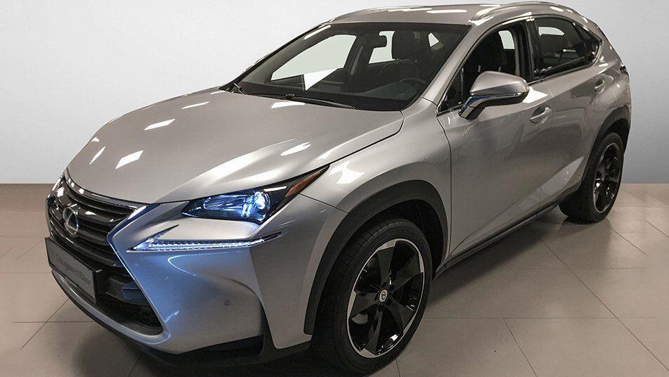 Lexus NX300h 2,5 aut. AWD 5d - 533.900 kr.