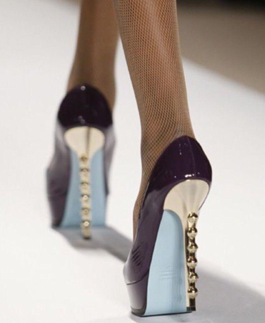 Runway Ruthie Davis  Platón  Negro Patente Patente Patente Studded Heel plataformas 38.5  mejor precio