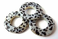 25(mm) BLACK AND WHITE ANIMAL PRINTED SHELL FLAT ROUND DONUT BEADS - S001