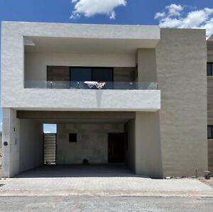 Casa en venta en Habita II