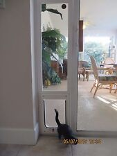 CAT, Vertical vinyl white glass window, Flap size 7 x 10 up to 25 lbs. 40-43  Lg