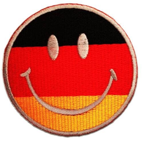 Aufnäher // Bügelbild Smiley Deutschland Flagge Fahne 7.5 x 7.5 cm rot