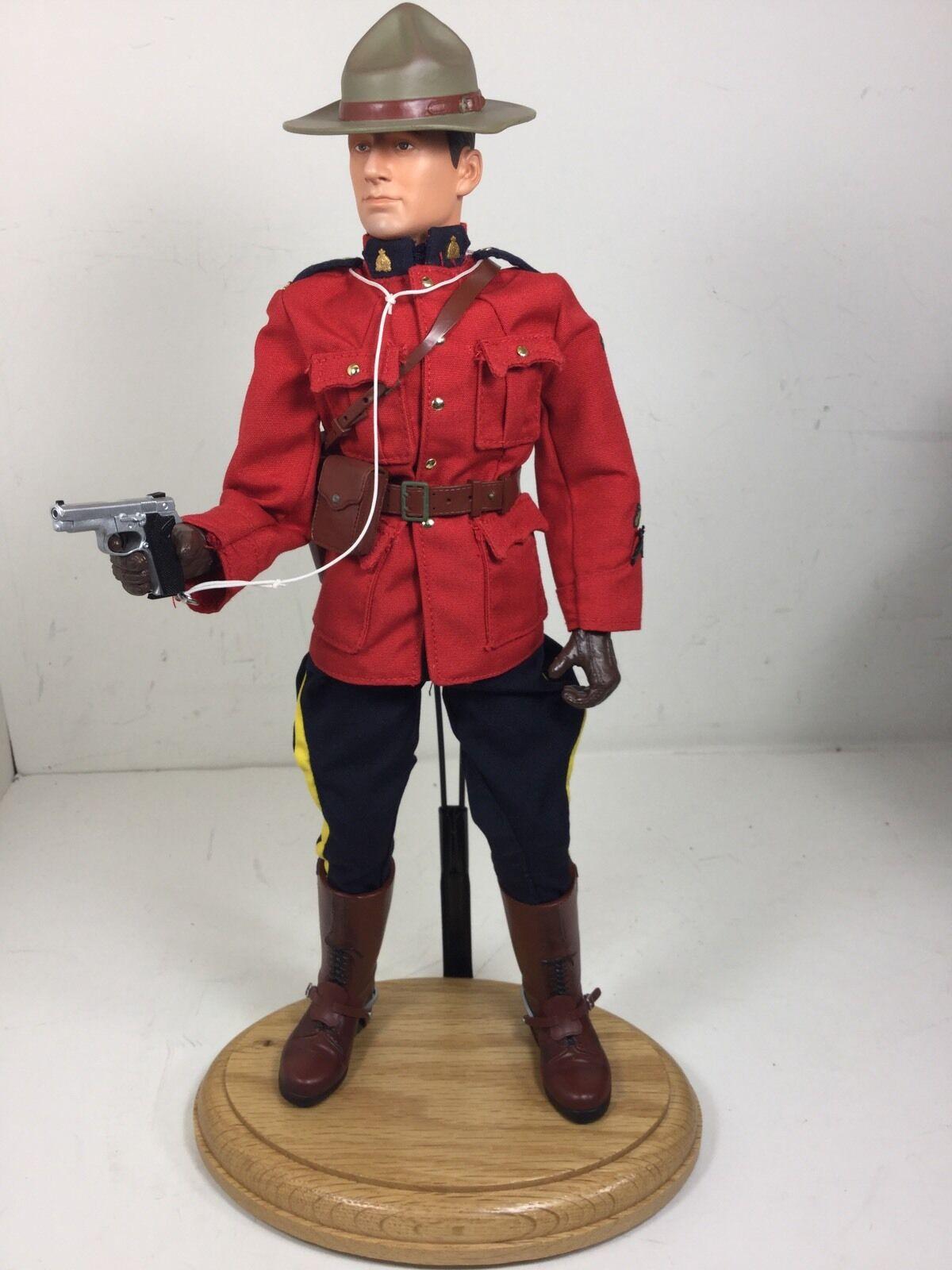 1 6 DRAGON R.C.M.P. ROYAL CANADIAN MOUNTED POLICE  MOUNTIE  W OAK BASE DID BBI