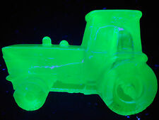Bue Vaseline glass farm tractor uranium candy container New Holland / Ford Deere