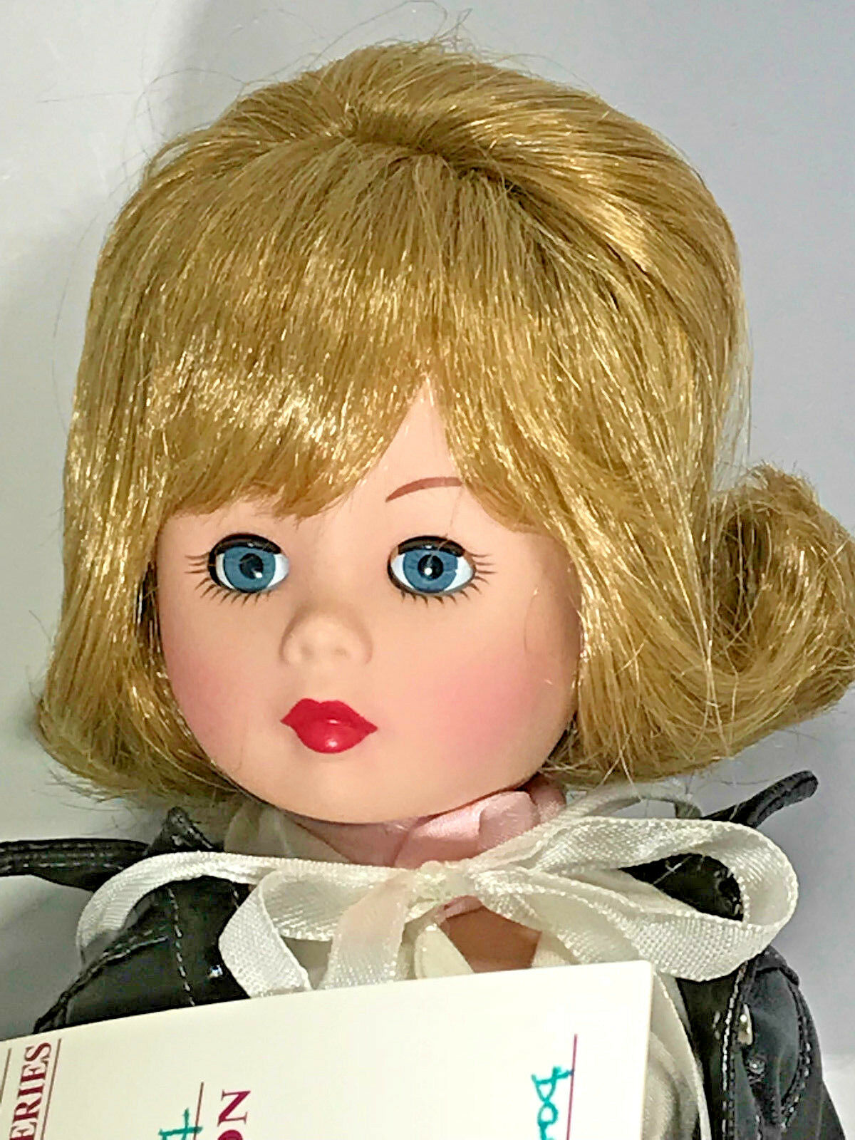 Madame Alexander Porcelain Doll 14   Backstage with Elvis  NIB Collectible
