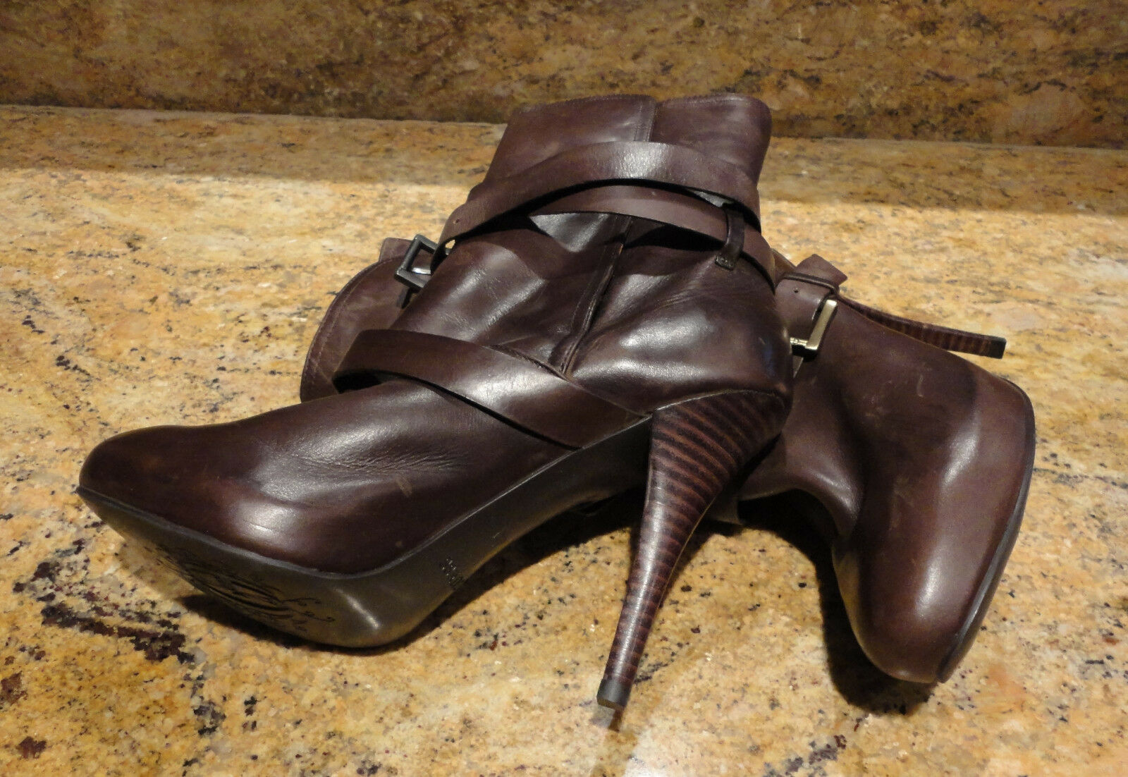 GUESS Dark Brown Ankle Boots Bootie Boot Size 8 Leather Fur Sexy Beautiful