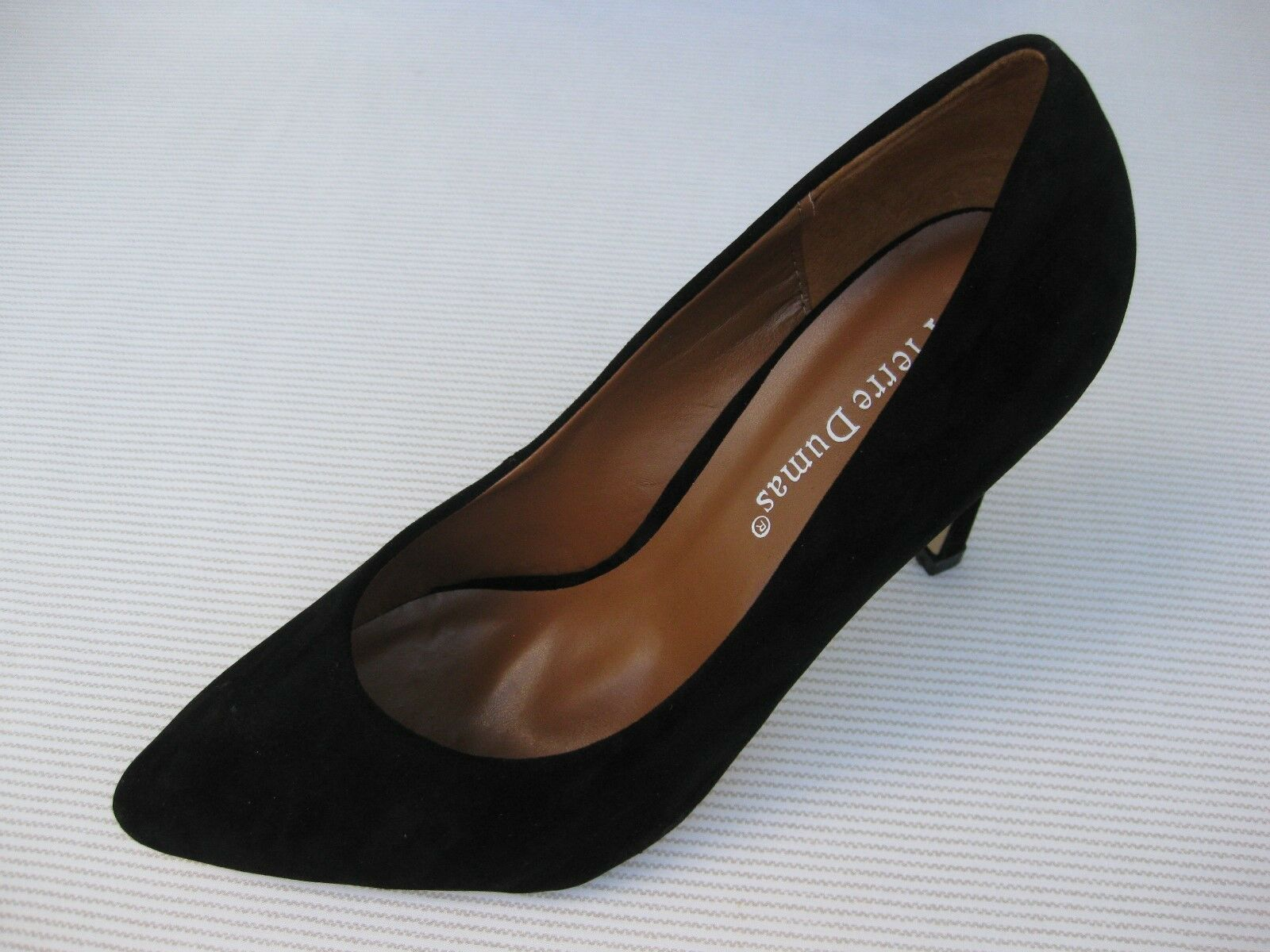 Pierre Dumas Womens Black Shoes NEW $50 Alessia Black Womens Suede Pump 9 M 17a19c