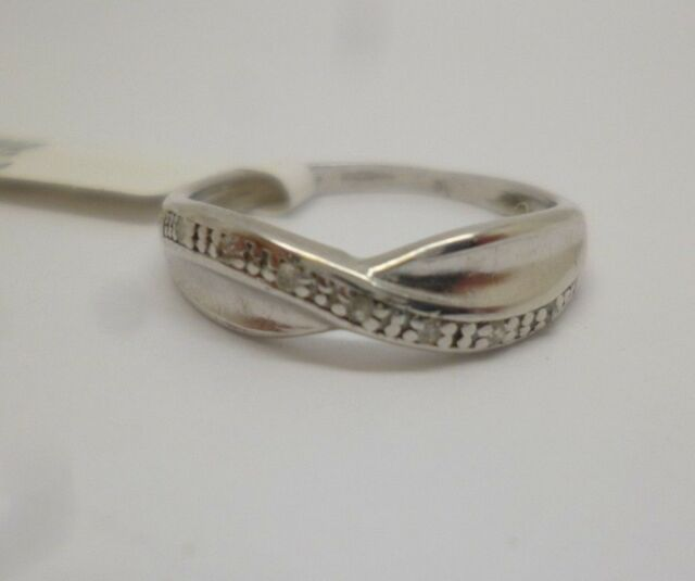 9ct White Gold Diamond Crossover Band ring, size L