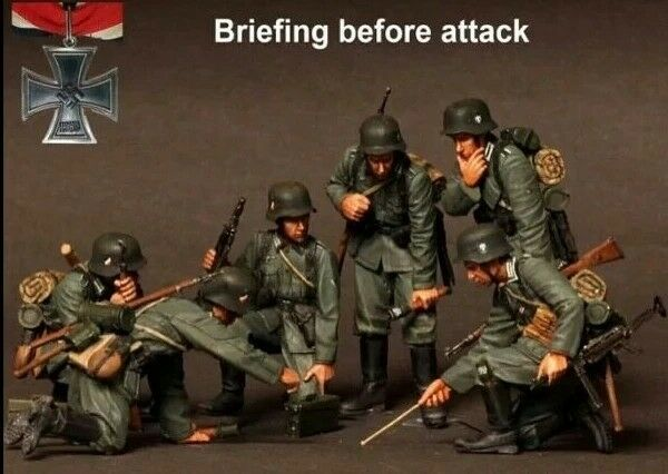 1 35 Scale WWII German Soldiers Briefing WW2 Figures Resin Model Kit (6 Figures)
