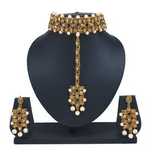 DéLicieux Crystal Kundan Choker Necklace Gold Plated Bollywood Bridal Indian Jewelry Set