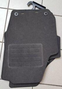 Fußmatten Skoda Fabia 2 5J 2007-2014 Velours Matten Autoteppiche Passform