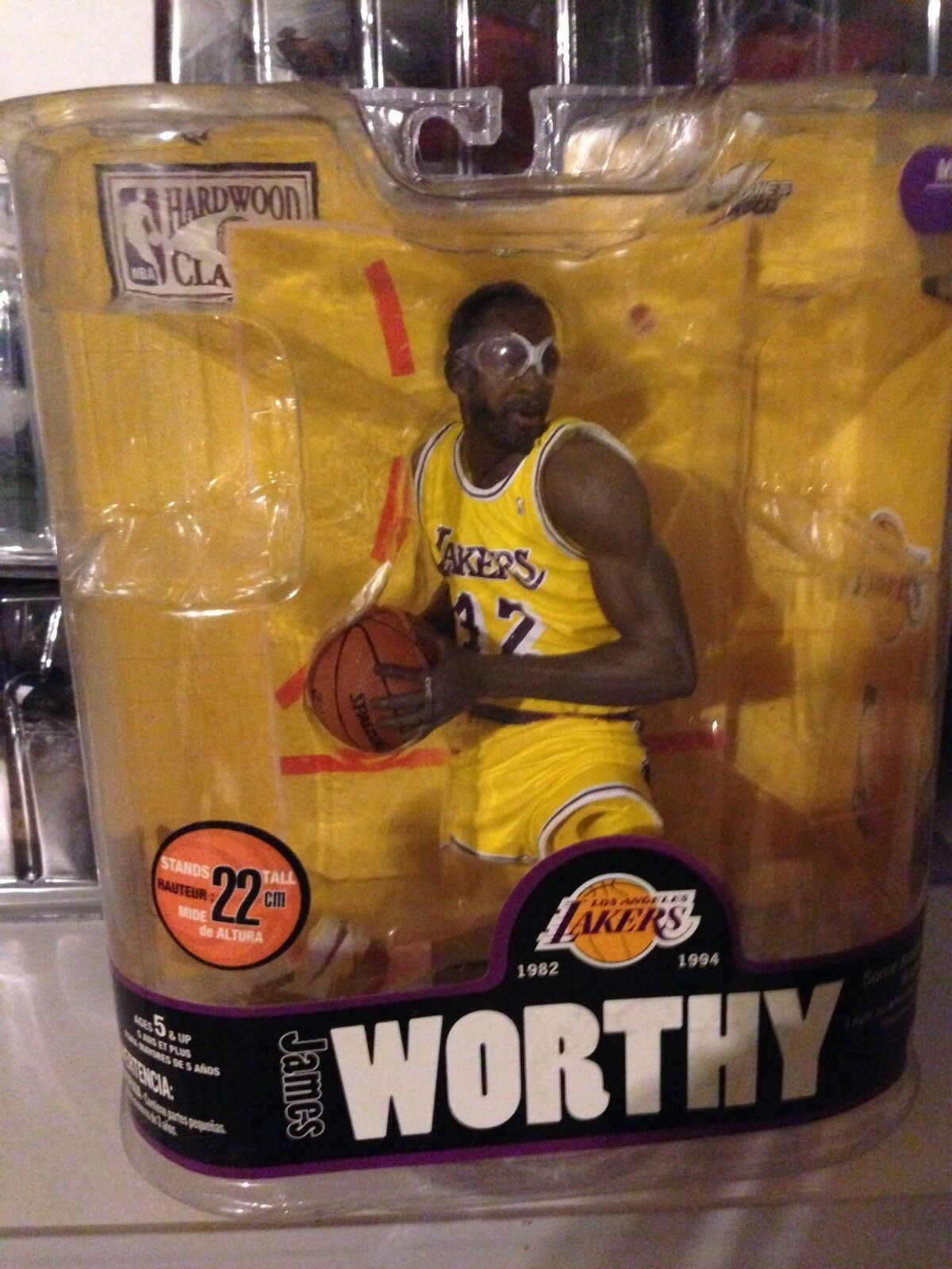 McFARLANE'S SPORTS PICKS Figure  James Worthy Los Angeles Lakers,  NEW