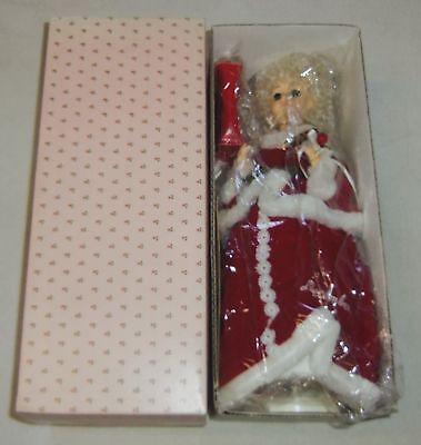 """1989 Brinn's Da Collezione Miss Dicembre Bianco Natale Musicale 13"""" Bambola"""