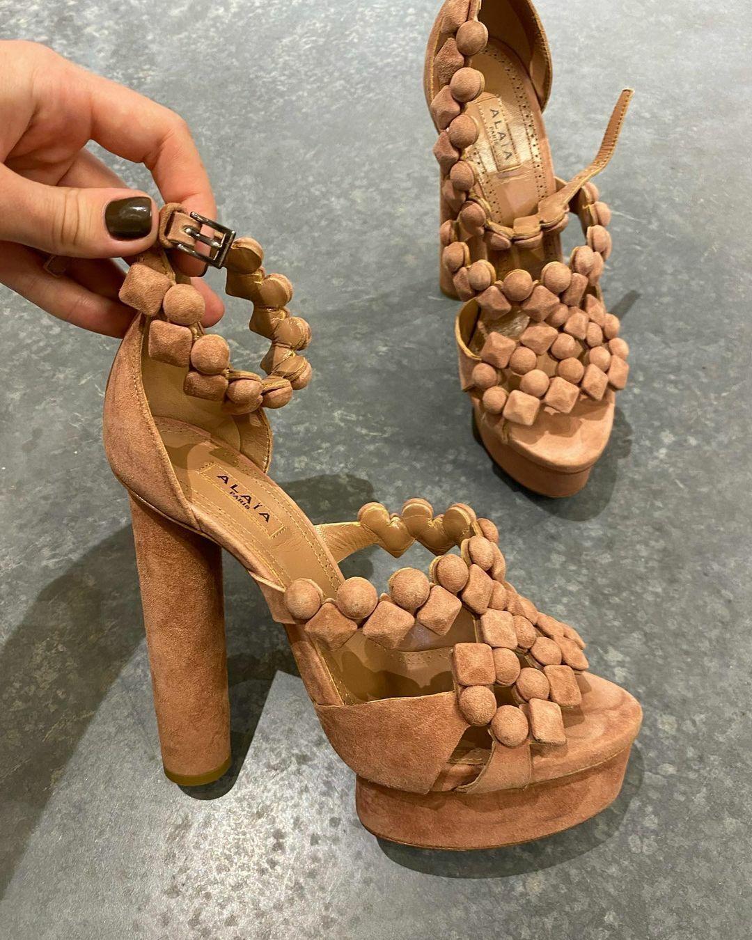 ALAIA Alaïa Femmes Marron Daim Cloutée Sandale Plateforme Boucle IT/UE 37 US 7 UK 4