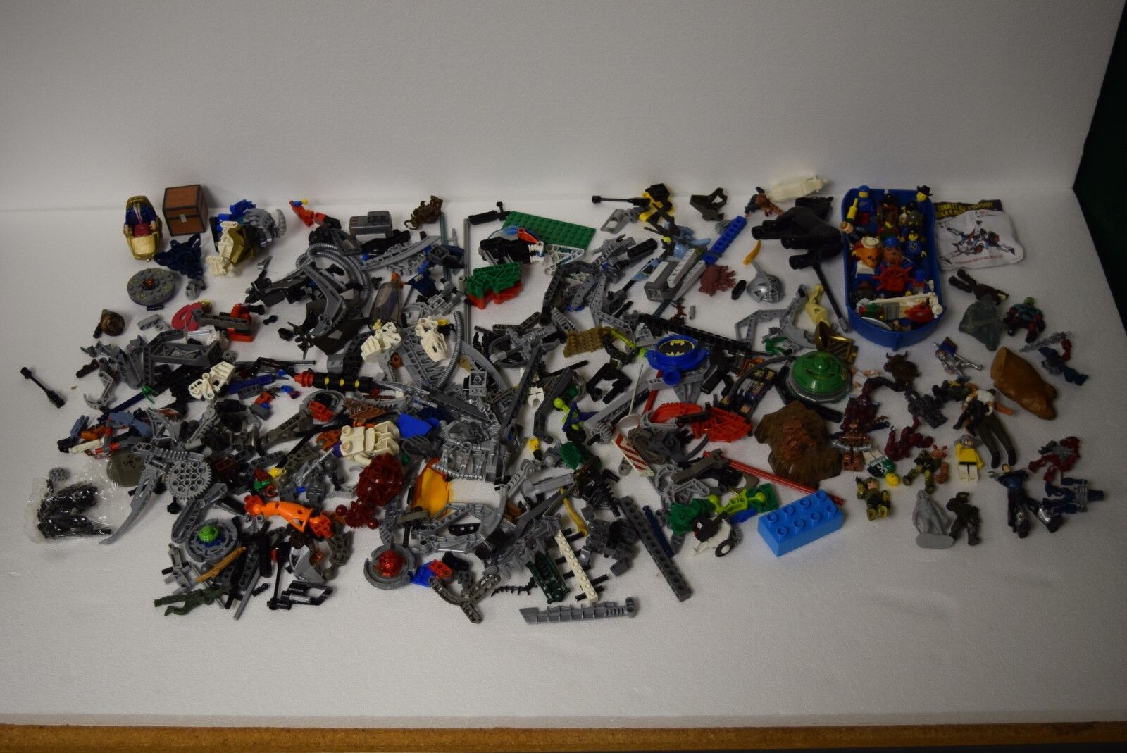 4 Pounds of Lego, Duplo, Smart Links, Figures and More