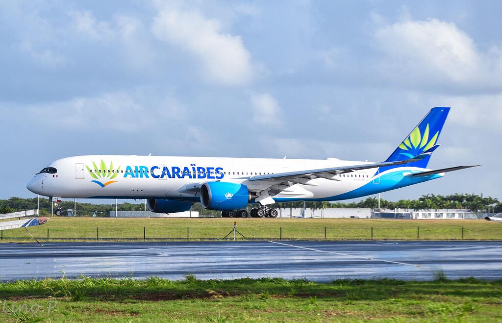 Jc Wings LH2062 1/200 Aria Caraibes A350-900 F-Hhav con Supporto Edizione