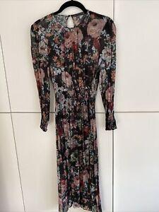 Schwarzes Kleid + Unterkleid mit Blumenmuster von Zara, Gr ...