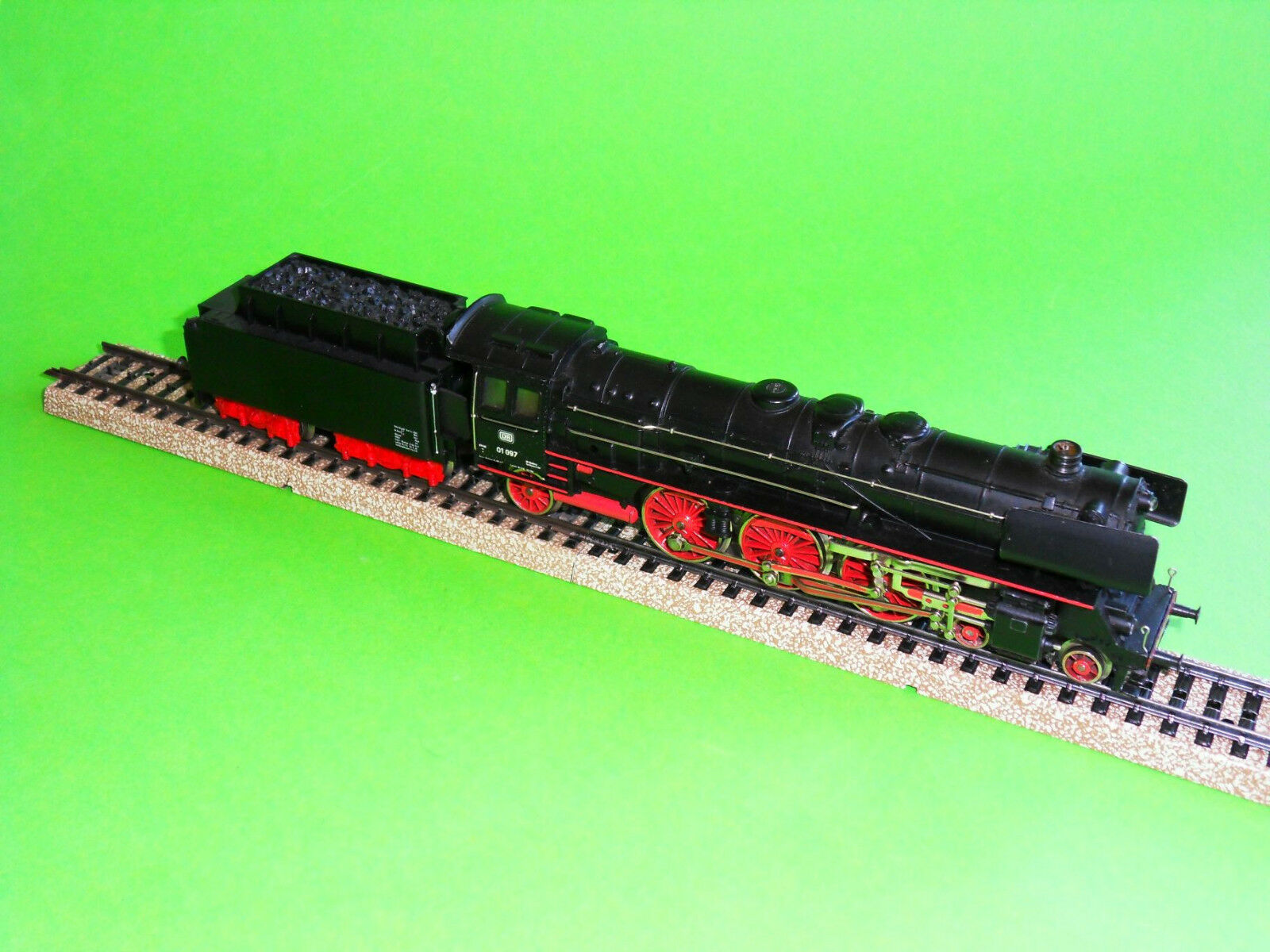 Märklin 3048 Lok mit Tender .Baureihe 01 ( Top-Zustand  )  | Schöne Farbe