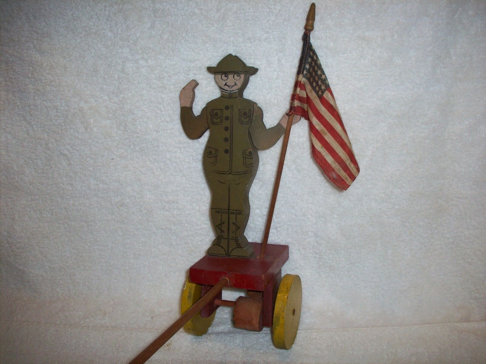 WW 1 DOUGHBOY ARMY MILITARY FLAG HOLDER MECANICAL WOOD PULL PUSH TOY HISTORICAL