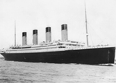 White Star Line 5 x 7 RMS Titanic Ship 4 5x7 GLOSSY Photo Picture
