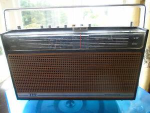 ITT-Monaco-transistor-radio-1970-039-s