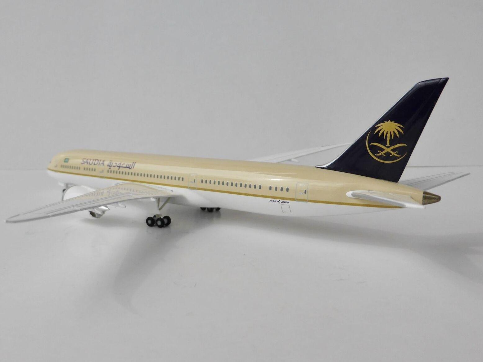 BOEING 787-9 SAUDIA 1 400 Hogan Wings 5156 ON GROUND 787 Saudi Arabian Airlines