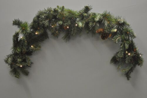 120cm Pre-Lit Battery Christmas Garland Decoration with Pine Cones by Kingfisher