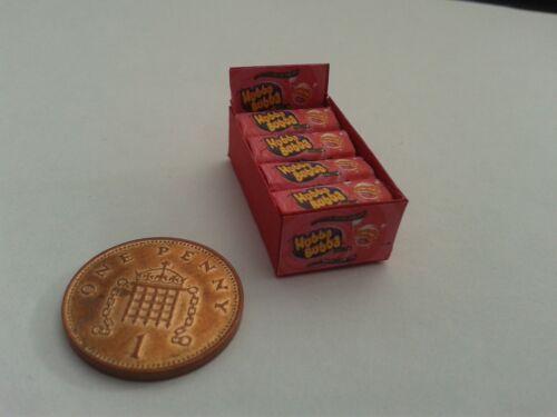 1//12 Scale-Caja De Hubba Bubba Rojo Dulces Para Dollshouse Miniatures