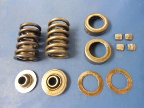 Valve Springs Head Number 462624 Rotor and Keepers Mercruiser GM 350 Caps