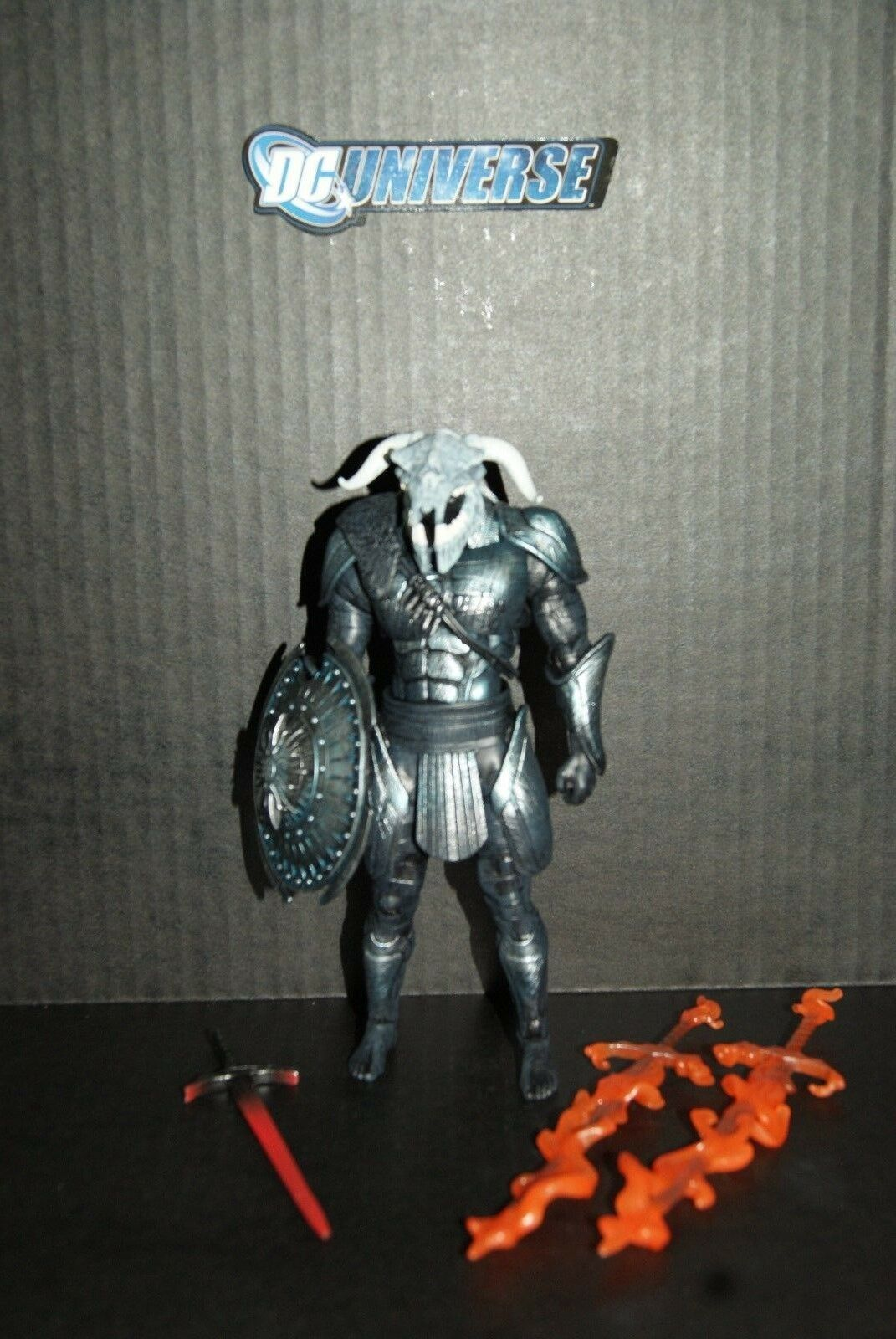 DC Multiverse Ares CNC Figure - Collect and Connect Figure - BAF  Flaming swords