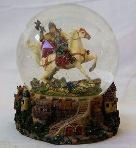 Ritter auf Pferd Schneekugel