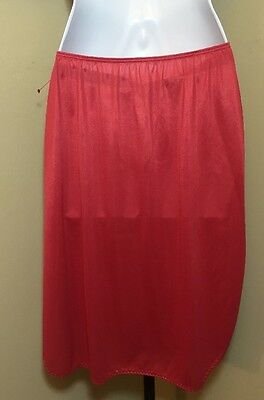 """Vintage  Sears Red Half """"the doesn't Slip"""" Made In America Size M 27-29 EUC"""