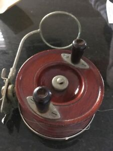 Vintage-Alvey-Wooden-Fishing-Reel